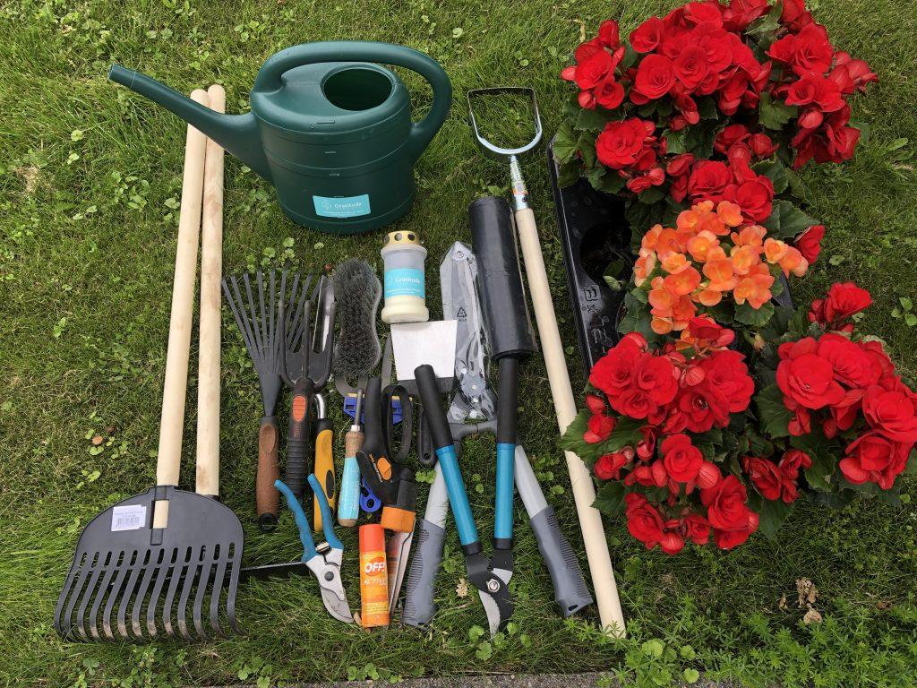 Vajalikud tööriistad kalmistul