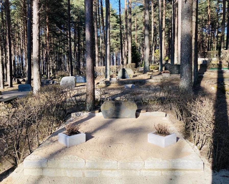 Renoveerimine Pärnamäe kalmistul PÄRAST foto
