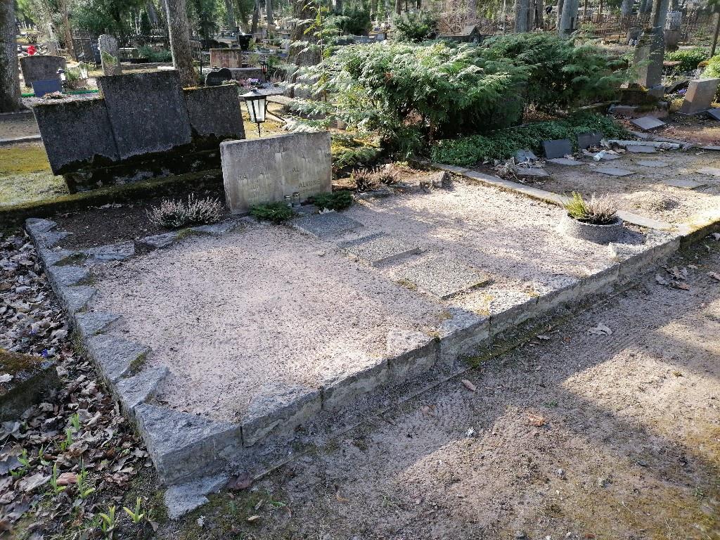 Renoveerimine Tartu Raadi kalmistul ENNE foto