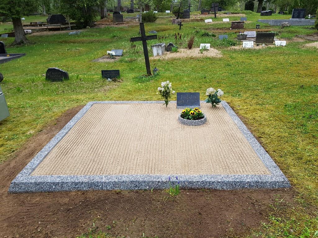 Renoveerimine Lelle kalmistul PÄRAST foto