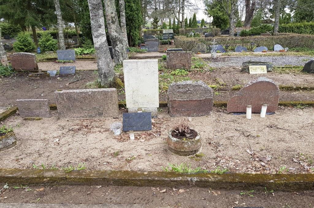 Renoveerimine Raasiku Uuel kalmistul ENNE foto