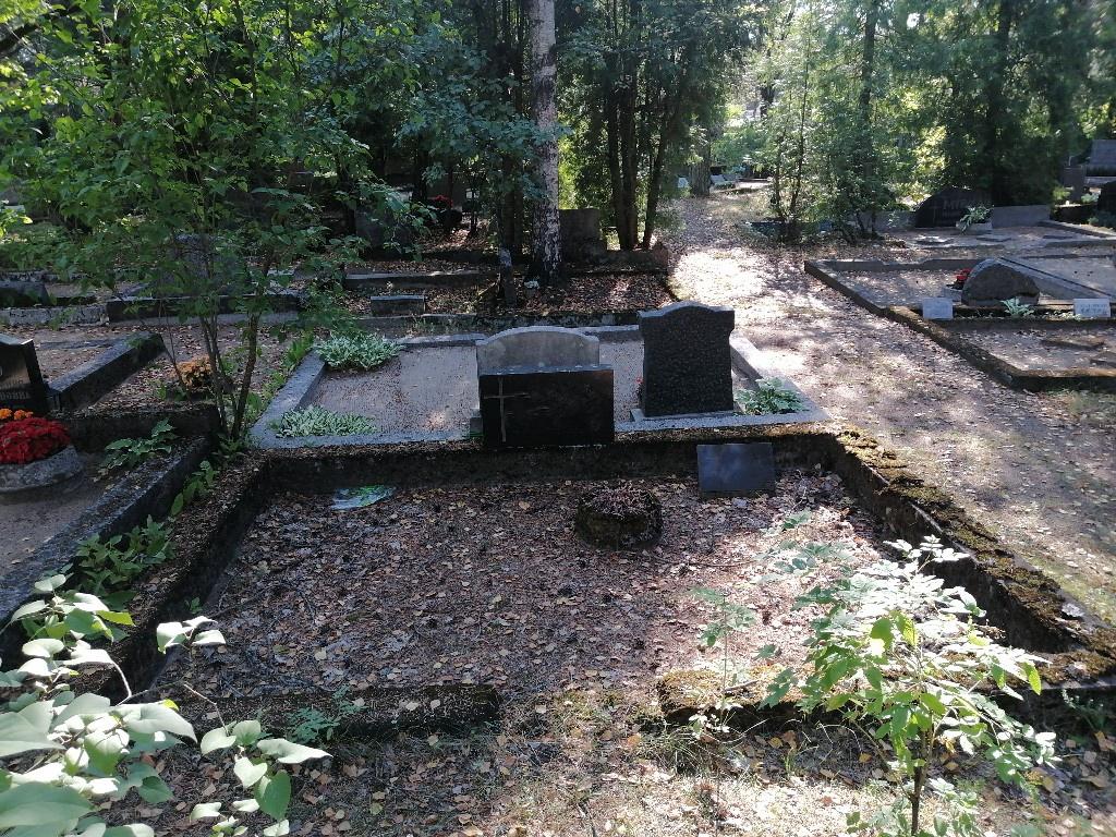 Renoveerimine Rahumäe kalmistul ENNE