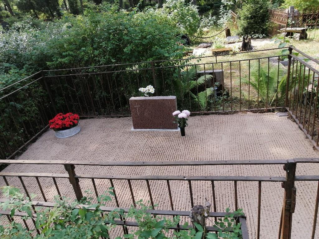 Renoveerimine Siselinna kalmistul PÄRAST