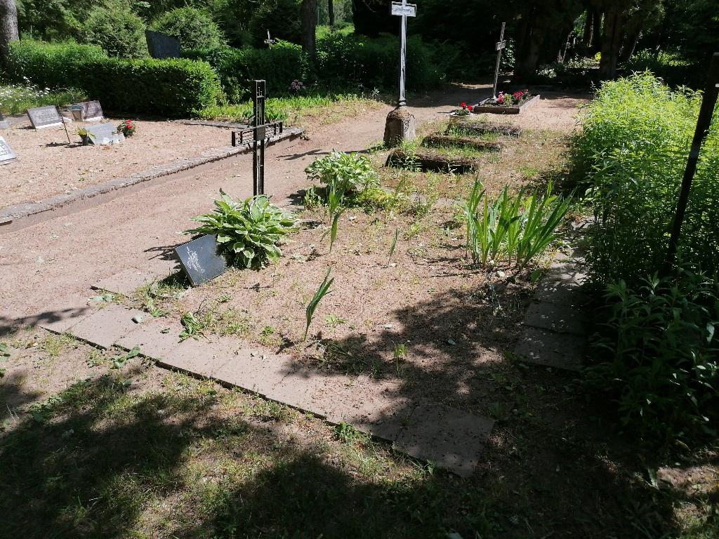 Renoveerimine Arussaare kalmistul ENNE